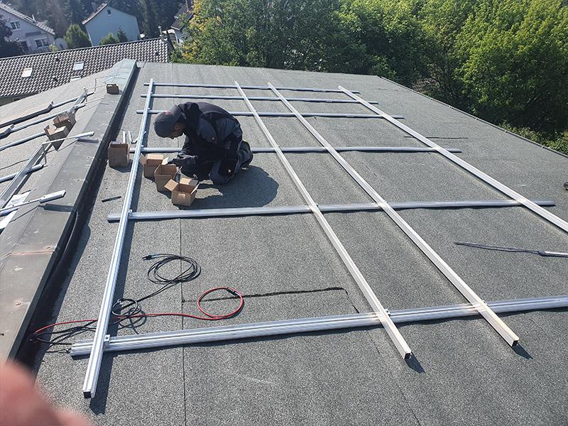 Anbringung von Solarpanelen