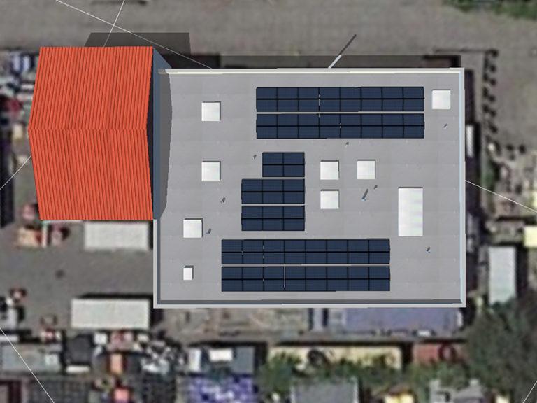 sehr großes Haus mit Solarplatten